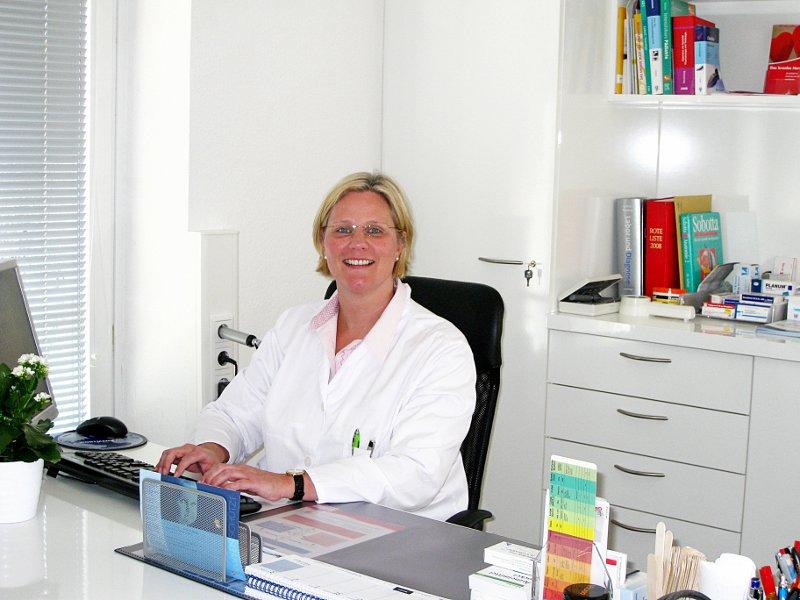 Petra Achwlediani - Ärztin für Allgemeinmedizin